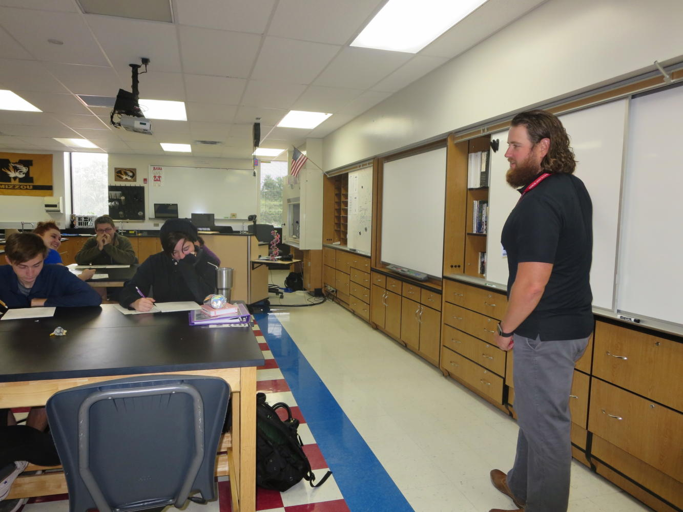 Brad Zerman lectures to his 8th block Biology class. Zerman is one of South's new faculty members. Photo by Sophie Porter