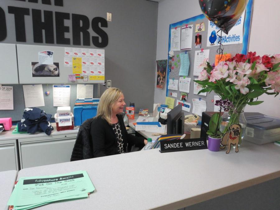 Sandee+Werner+works+at+her+desk+during+her+last+week+in+the+building.++