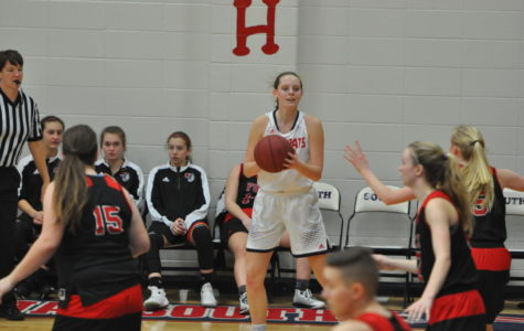 Girls' basketball faces Ursuline tonight