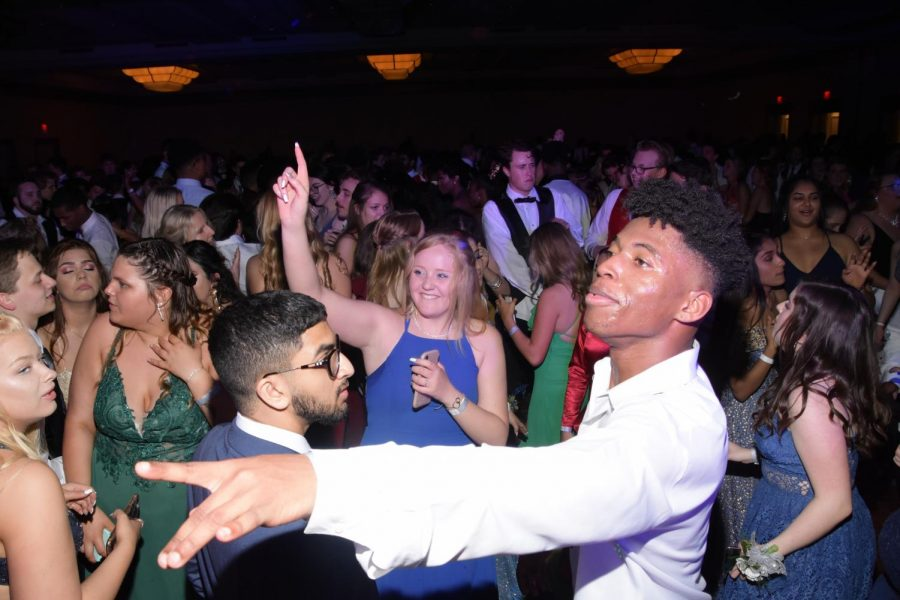 Senior Taron Jones has the time of his life at the 2019 Prom, which was the last Prom South has held.